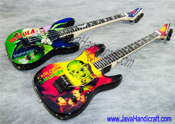 Kirk Hammett Metallica Miniature Guitars